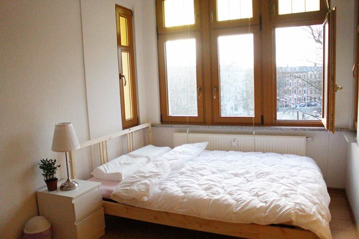 Cozy double room with breakfast, Zwickau city