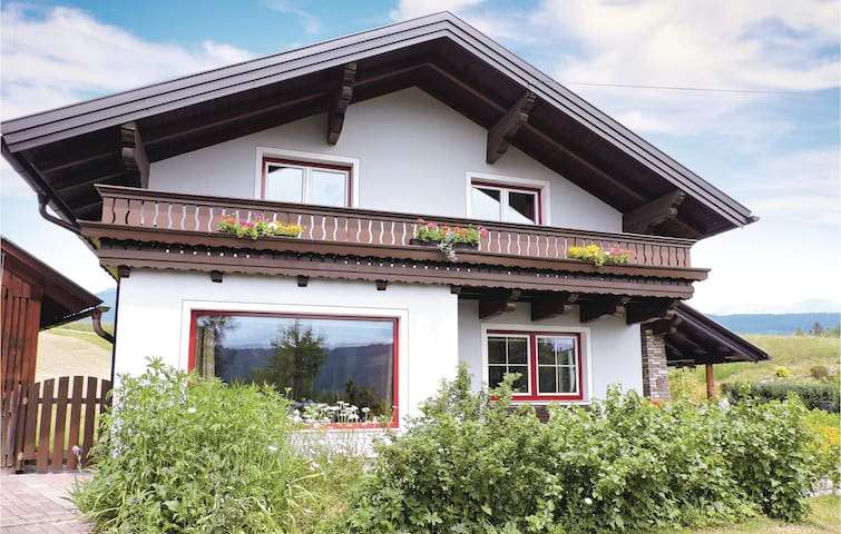 Holiday cottage with 4 bedrooms on 160 m² in Mariapfarr