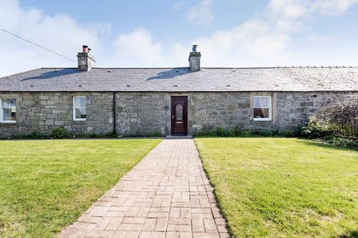 Cosy, country retreat close to city (single) - West Lothian