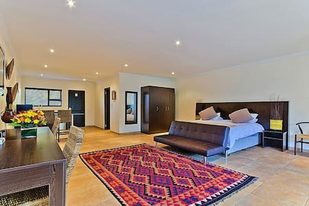 Luxury Suite - Bed & Breakfast