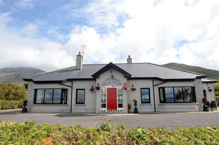 Claremorris Town Hall Theatre and Concert Hall - Home