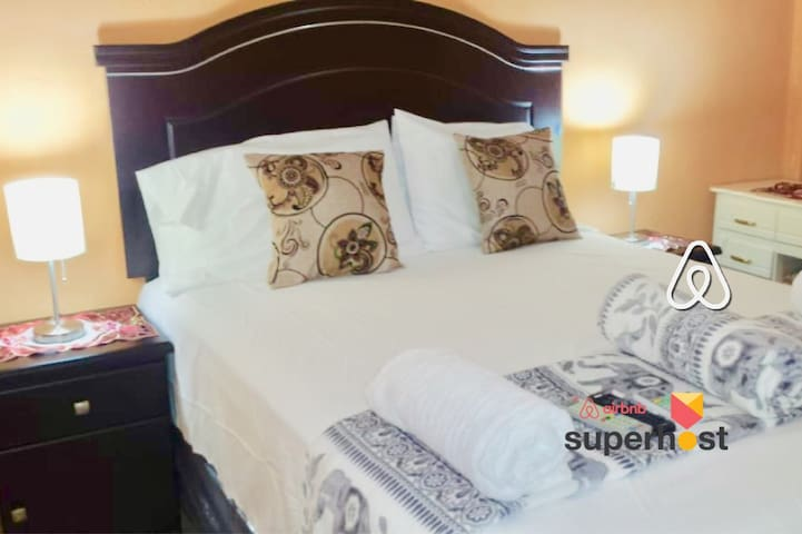 Tela Beach Multi Room ❖ Airbnb #3