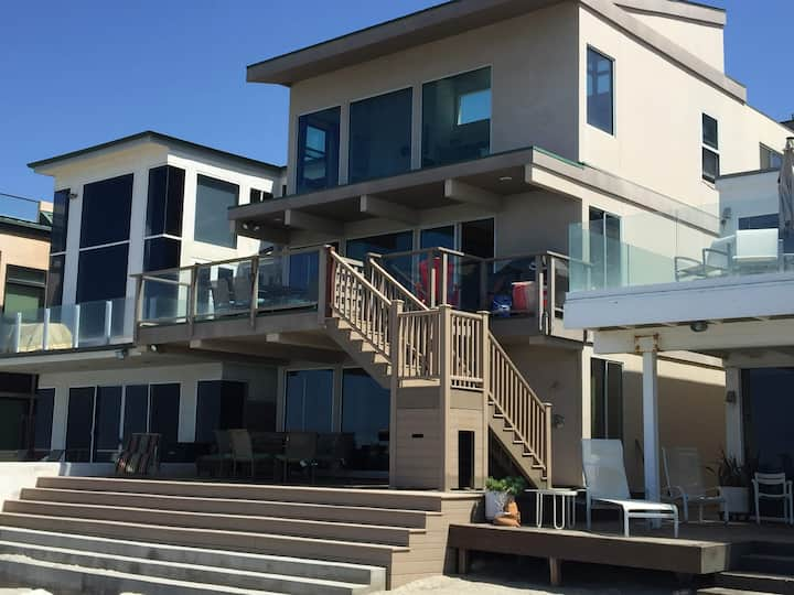 On the Beach in Doheny (Upper Two Floors) 5BD 3BA