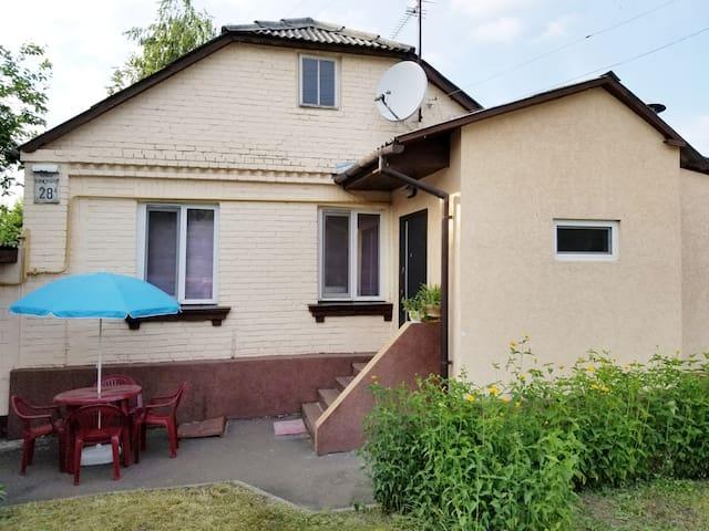 Whole house in a park area near Kiev Downtown