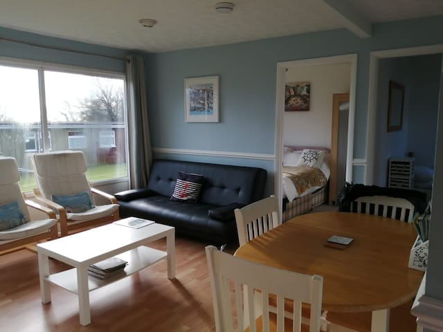 Dog friendly chalet Dartmouth with free parking