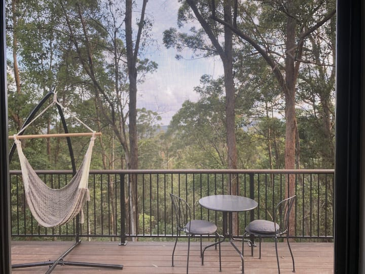 Treetops Escape - Wunya Tiny House - SunshineCoast