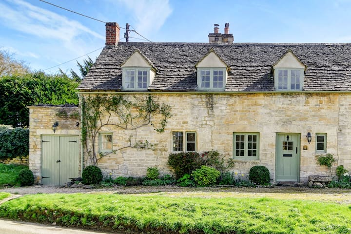 Beautiful Cotswold Cottage in the Barringtons. - Little Barrington - Huis
