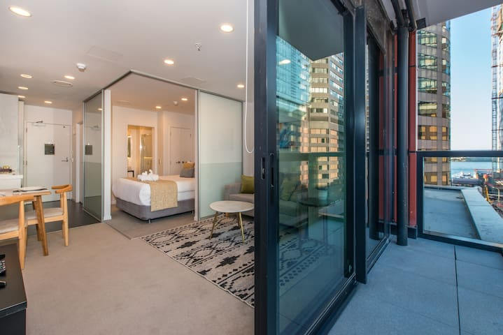 Unbeatable Location-Central CBD Next To Skytower