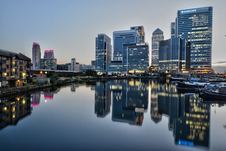 Affordable Luxury Apartment & Views - Canary Wharf - Londen - Appartement