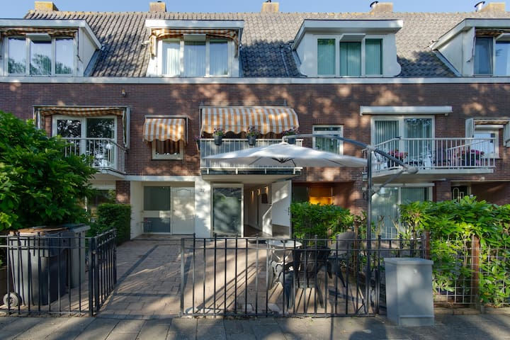 Guesthouse zwanenburg/amsterdam+ Free Bikes