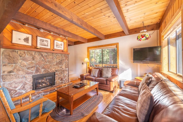 Perfect Family Home- Close to hiking, skiing, and year-round activities!