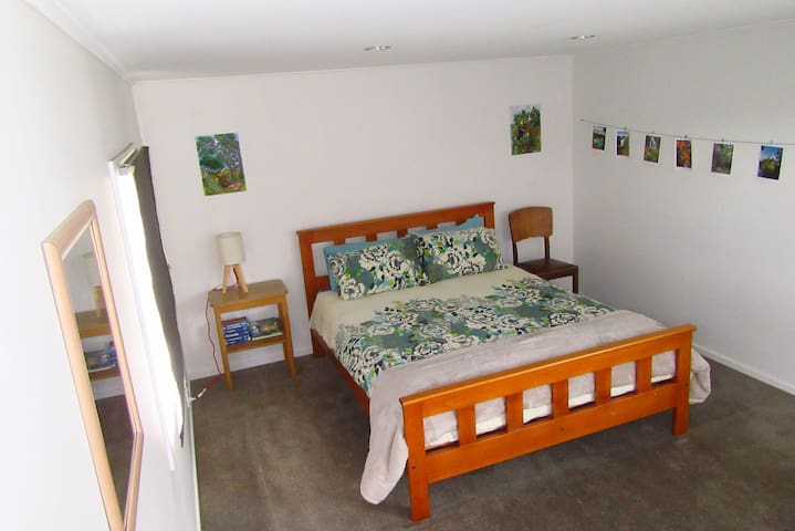 Large private room near Wanaka, NZ - Luggate - Huis