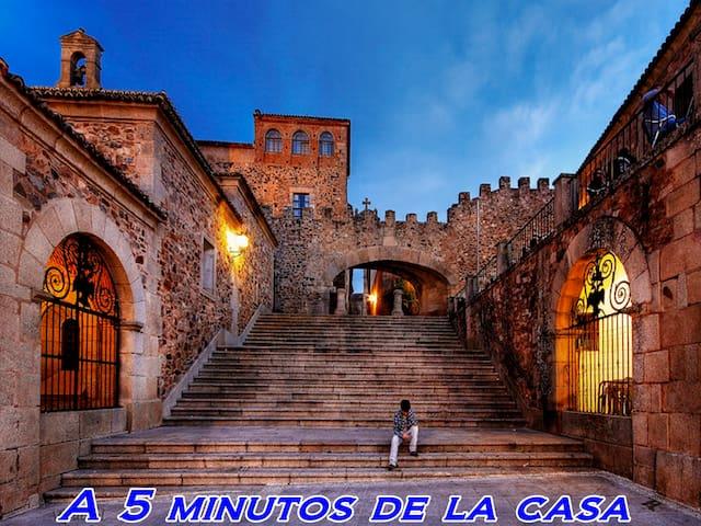 Casa Antigua en Cáceres (2/5 Plazas).