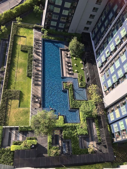 View of the pool from the 20th floor.
