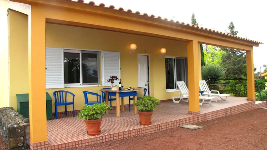 Quinta cottage #2 - 2.5 km to ocean and restaurant, Max 4 people
