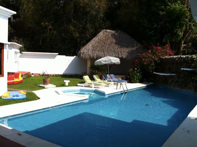Enorme Casa Privada a unos pasos de la Playa!!!