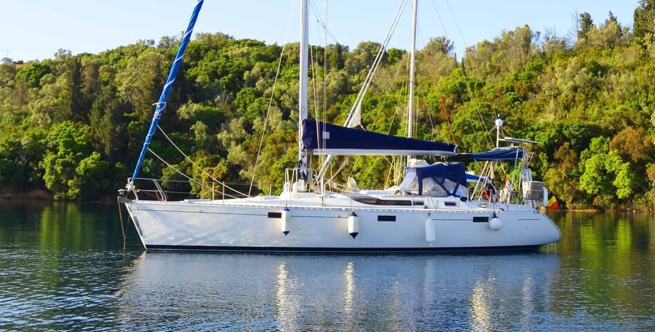 Greece another way - Corfu - Boat