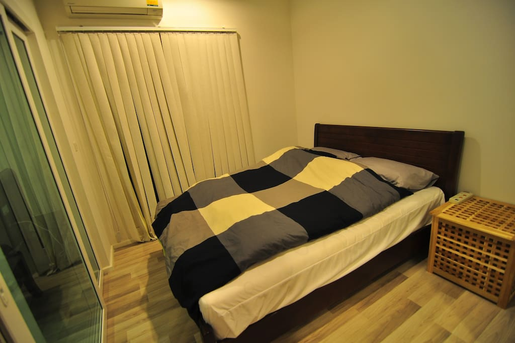 5 Feet bed, air condition bed room