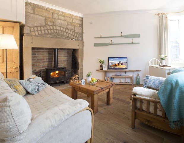 Quirky, beachy inspired cottage on the Coast.