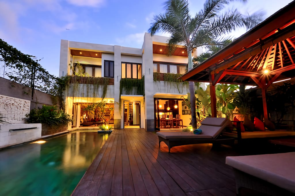 Modern peaceful 4 6 bdrms villa in seminyak villas for The family room main street