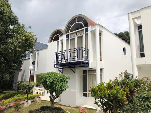 Casa estilo mediterraneo en Anapoima