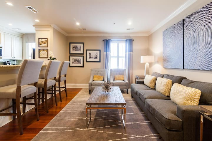 Quarters on King: Two Bedroom Suite