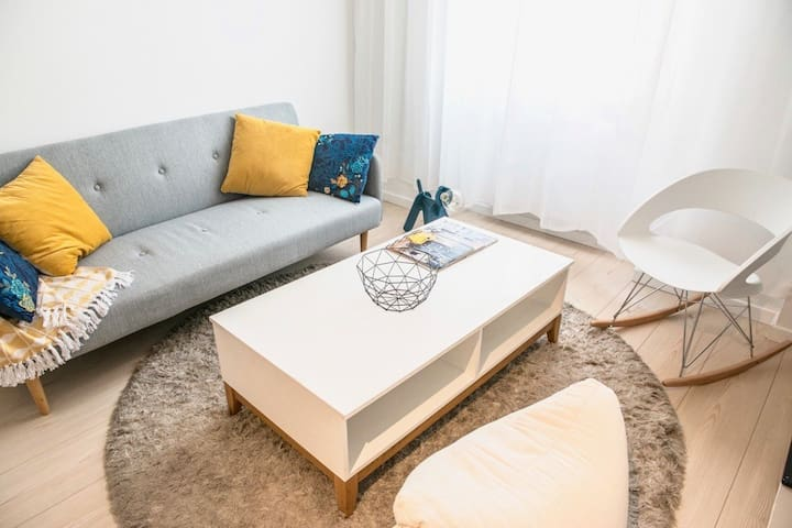 COSY APARTMENT - NEAR PLACE DUPUY