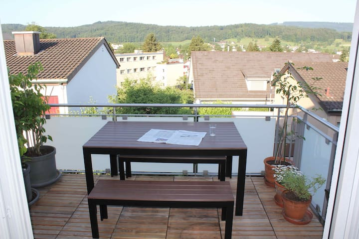 Stadtnahes Doppelzimmer in Urdorf - Urdorf - Wohnung