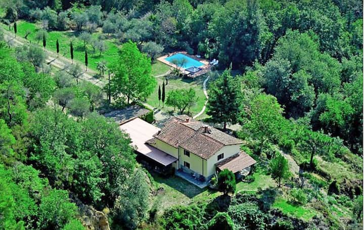 3 bedroom apartment in Tuscan house & private pool