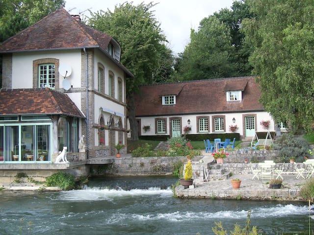 Gite au bord de la rivière - Longueil - Ház