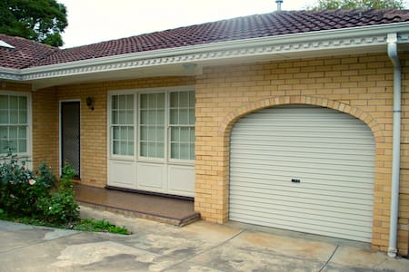 Adelaide Eastern Suburbs Apartment - Kensington Gardens