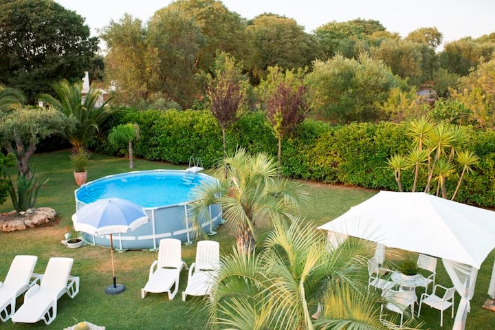 Holiday home with great garden, terrace and pool - Villa Relax
