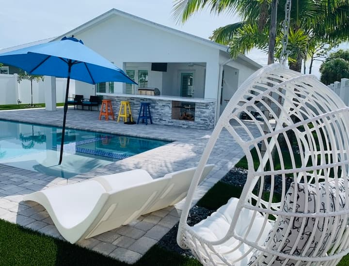 The Hammock House Salt pool