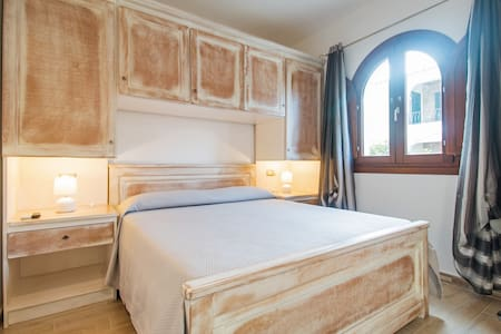 Residenza l'Orchidea - camera beige - Budoni - Bed & Breakfast