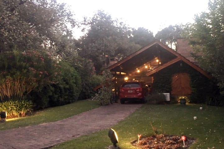 Casa en Country Praderas Luján, cabaña de ensueño