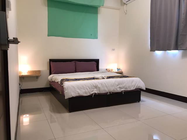 1double bed suite with bath room 57132