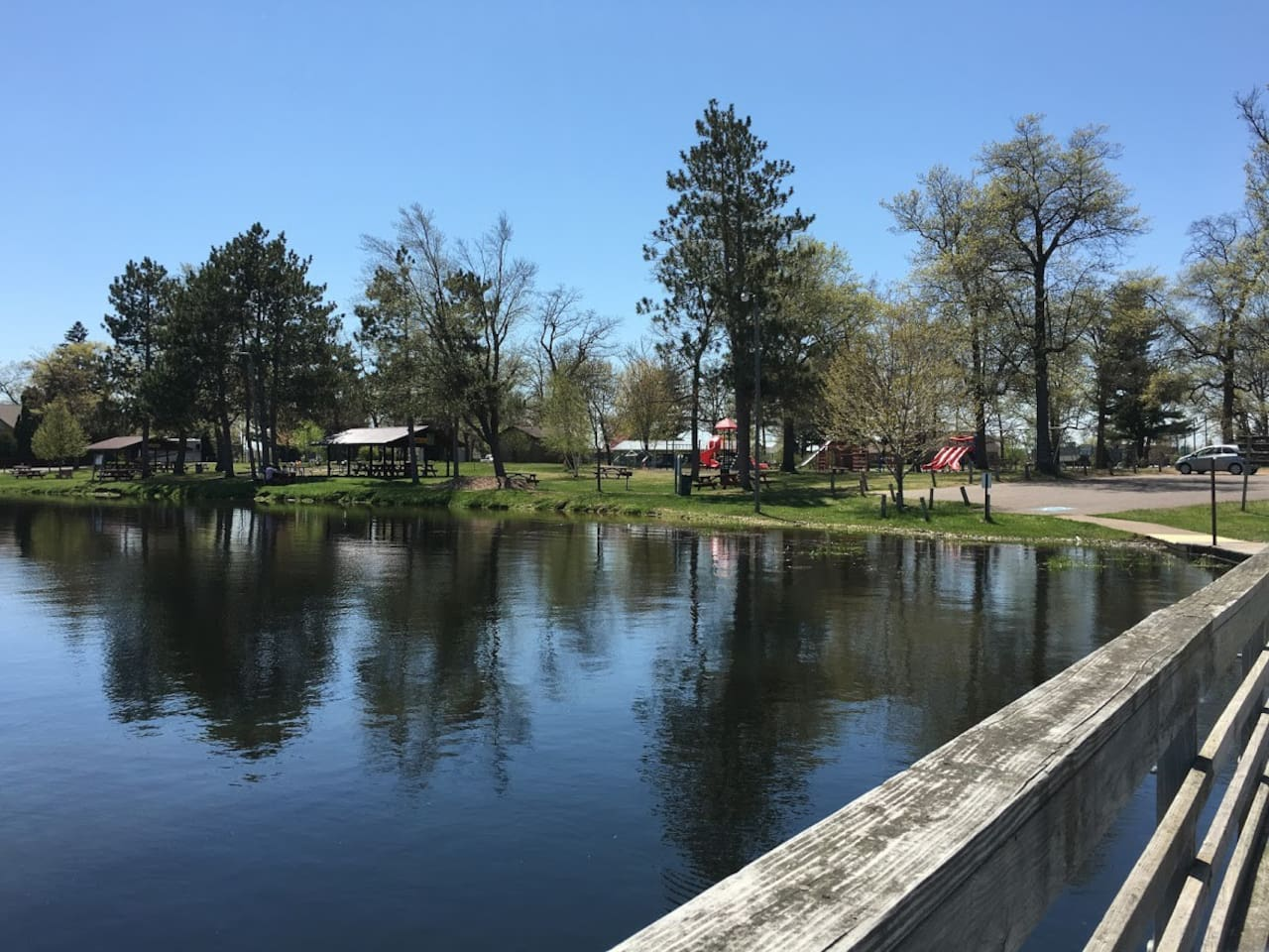 Crooked Lake Park is in the backyard of our retreat!  Great playground, beach, fishing pier, boat launch and picnic facilities with grills and covered picnic shelters...perfect for family reunions or other gatherings of family and friends!