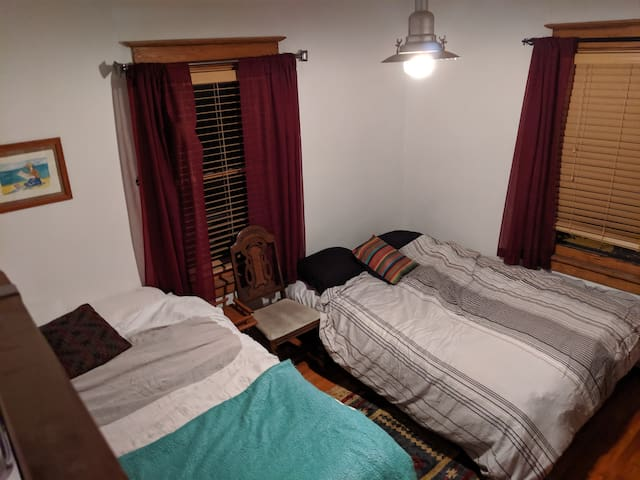 Downtown 2 Bed Room in Large Historic Home