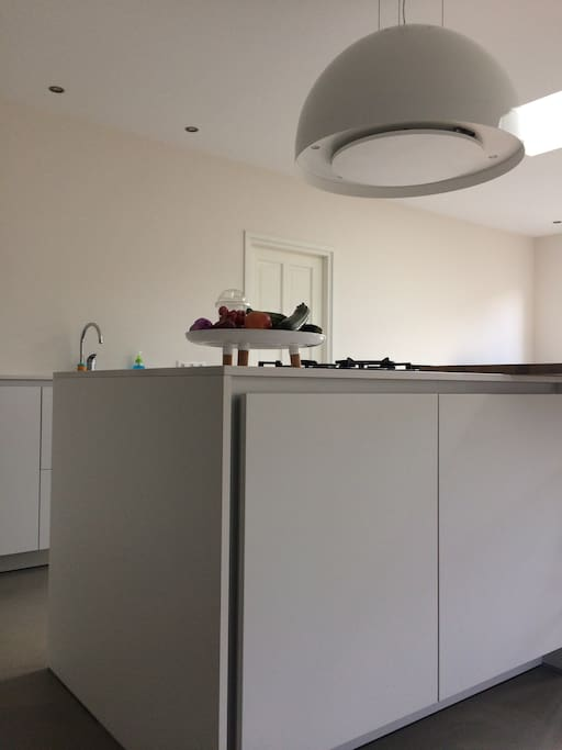 Picture 3 of the kitchen