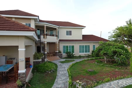 Amazing palatial private house, top floor. - Bantayan - Rumah