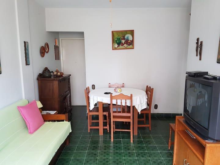 Apartamento em Praia Grande-SP (02 dorm).