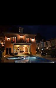 Hermoso y Cómodo Apartamento con piscina y jacuzzi