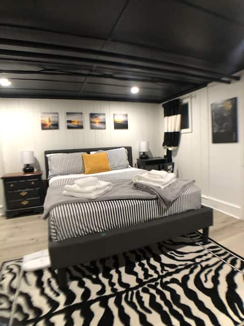 Modernized Urban Suite with Separate Entrance