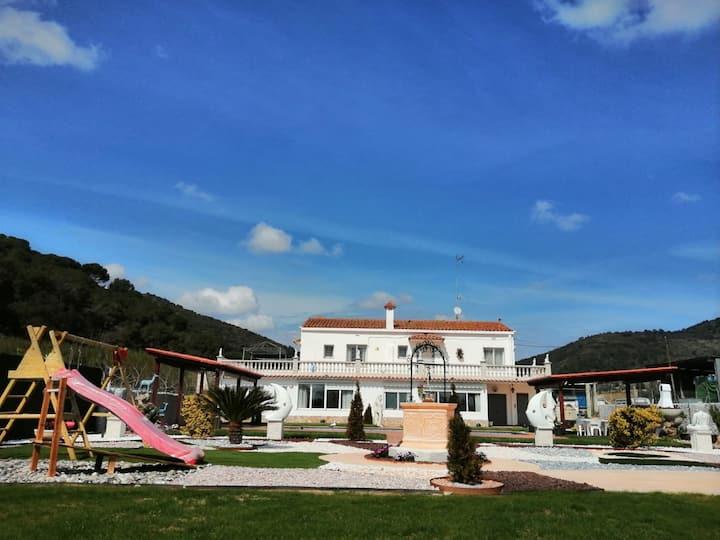 Casa Blanca Pineda