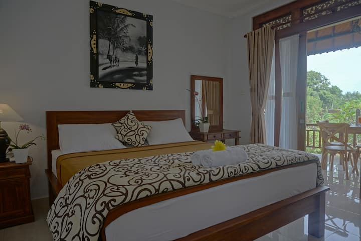 Cantika Guesthouse Ubud, Mira Room