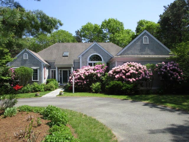 A FAIR WIND  Modern Home in great Mashpee location