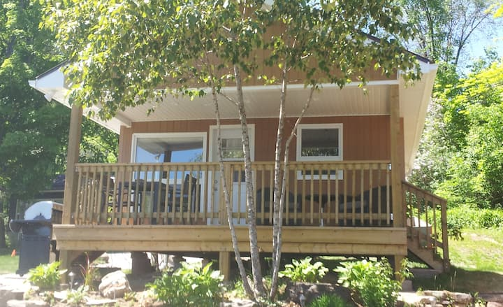 Lakefront One Bedroom Cottage Weekly Rate