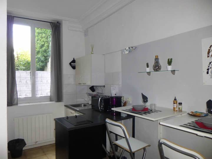 studio proche château 🏰 /grand parquet/INSEAD.