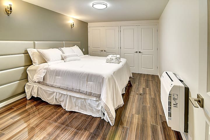 Cozy! Lovely! Apartment. Outremont BRAND NEW! A.C.