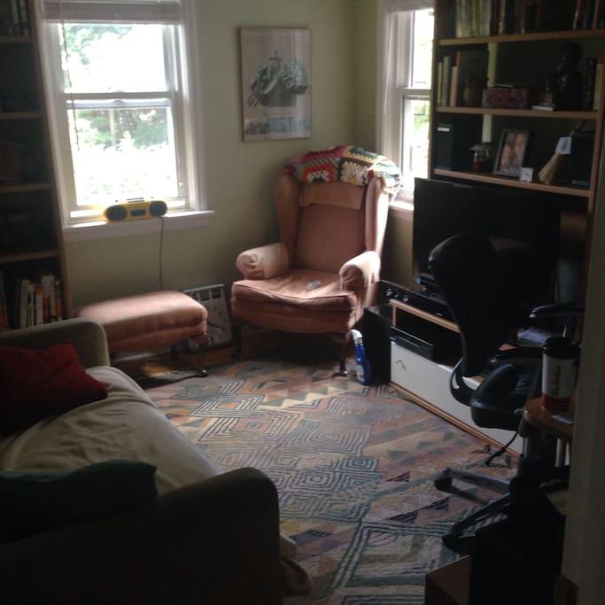 Den/office/bedroom.